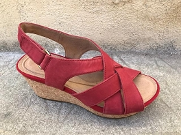 5422443 UN CAPRI STEP:Red